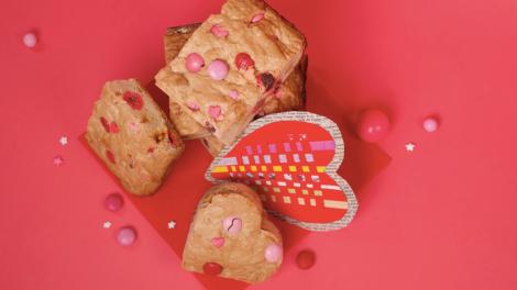 Valentine Blondies Unicorn Cookbook: Easy To Bake!