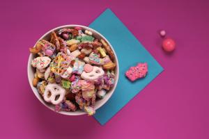 Hypercolor Chex Mix unicorn food